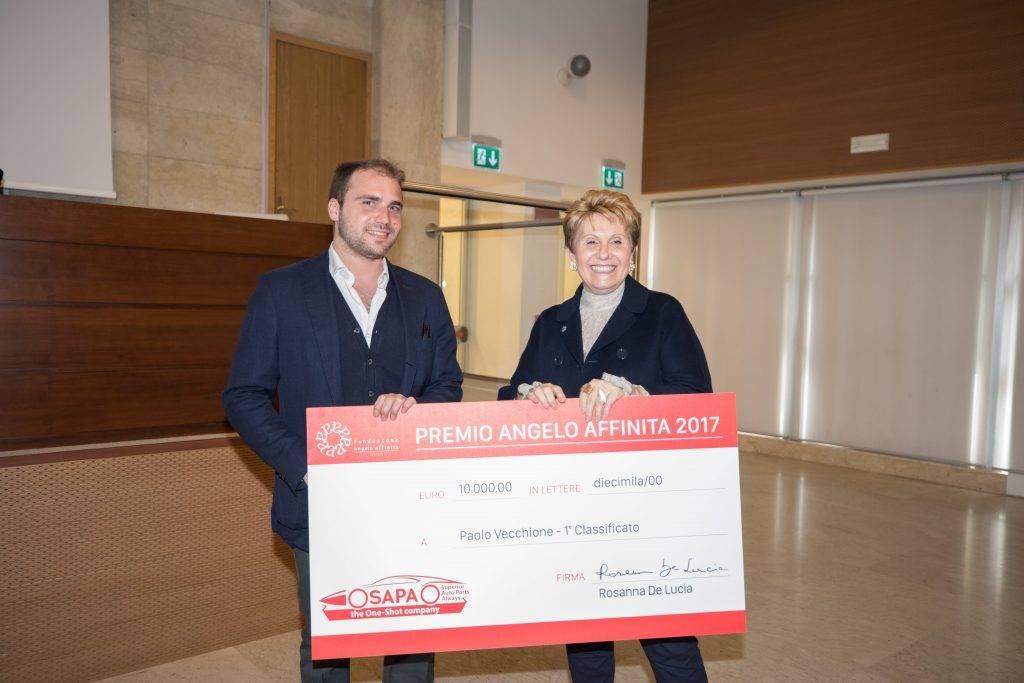 """1° PREMIO pari a € 10.000: Paolo Vecchione, con la tesi: """"Laminati compositi autorinforzati a base di poliammidi"""""""